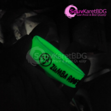 Jual Gelang karet glow in the dark